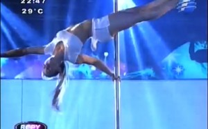 Nadia La Kchorra avanza en Baila Conmigo