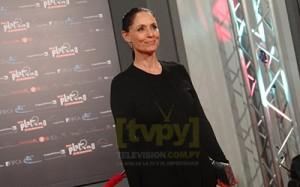 La famosa actriz Sonia Braga recibió el Premio Honor del Cine Iberoamericano