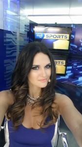 Leryn Franco conduce el noticiero de Tigo Sports